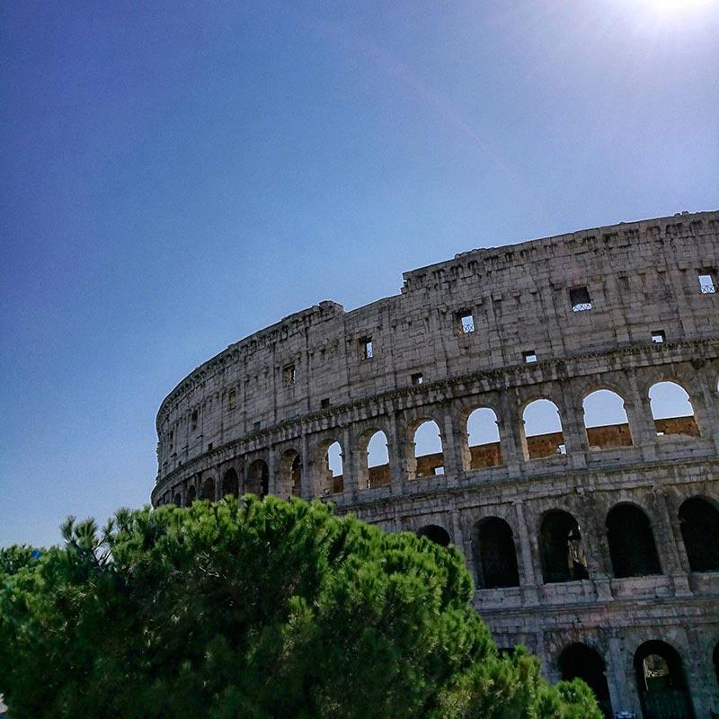 Rome, la Ville Éternelle et le Colisée Romain