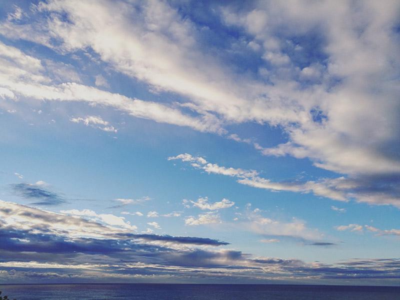el alba sobre el mar