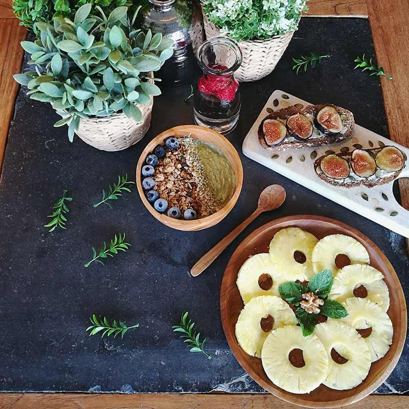 Smoothie bowl de aguacate: receta vegana combinada con mindfulness