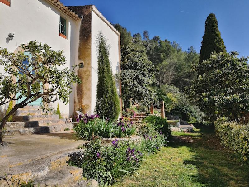 Retiro de Yoga en Sitges para desconectar y relajarse